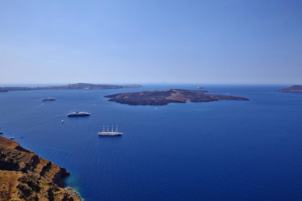 Sailing in Santorini! Ira Hotel & Spa!