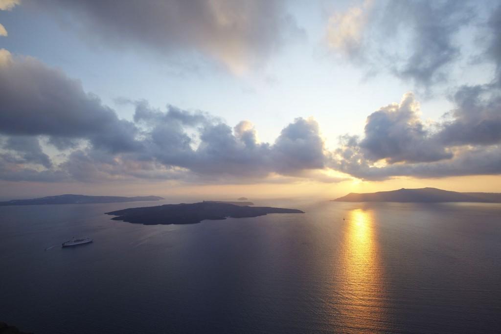The amazing sunset of Santorini!