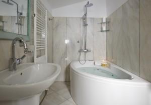 honeymoon-suite-caldera-view-santorini-23_resize