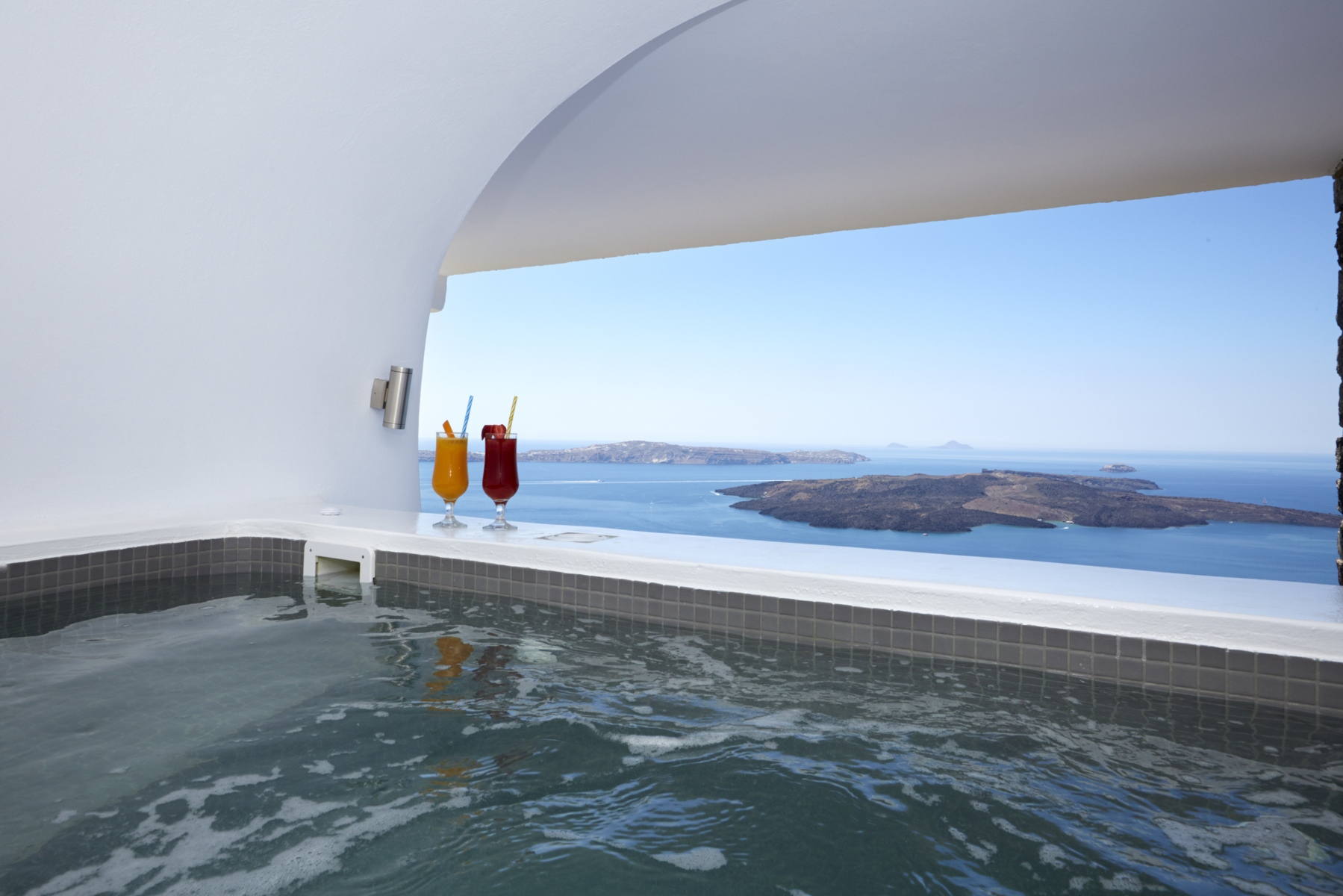 Ira_Hotel_Santorini-Exclusive-suite-c-8